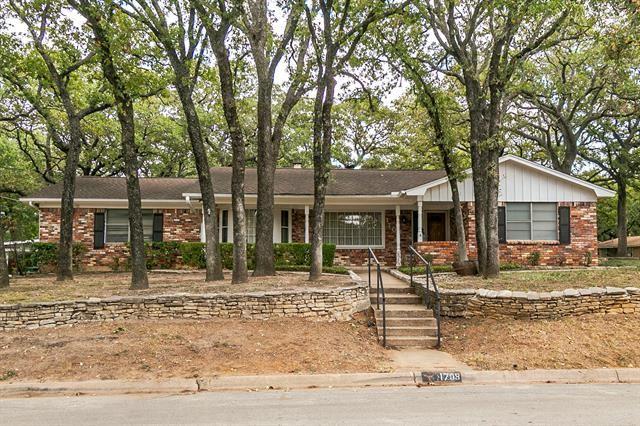 1708 Cimarron Trail, Hurst, TX 76054 - #: 14457550