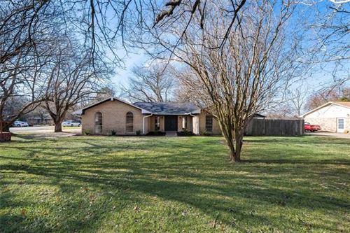 Photo of 1028 Oak Ridge Drive, Oak Ridge, TX 75160 (MLS # 14501559)
