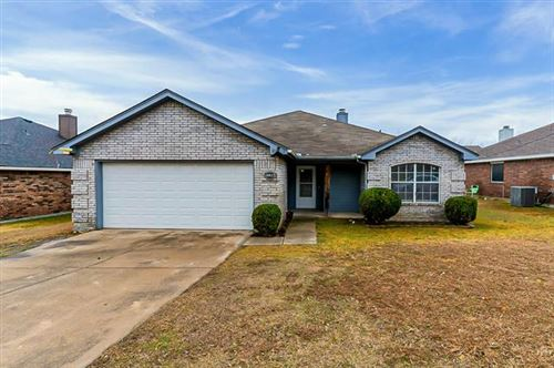 Photo of 4813 Saint Thomas Place, Fort Worth, TX 76135 (MLS # 14524561)