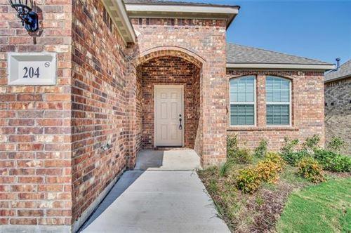 Photo of 204 Flower Ridge Drive, Fort Worth, TX 76108 (MLS # 14384564)