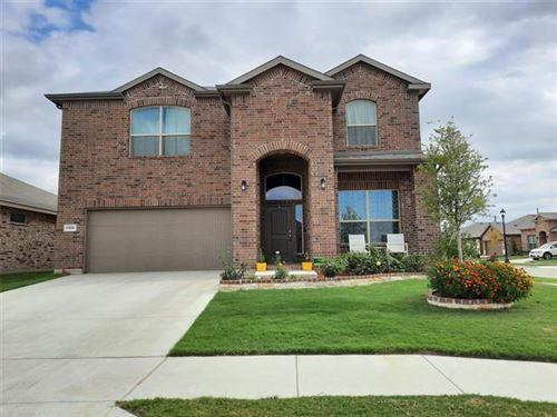 Photo of 1100 TWIN BROOKS Lane, Fort Worth, TX 76177 (MLS # 14456566)