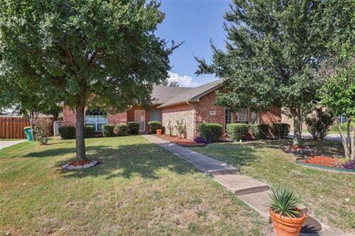 Photo of 705 Roaring Springs Drive, Glenn Heights, TX 75154 (MLS # 14639573)