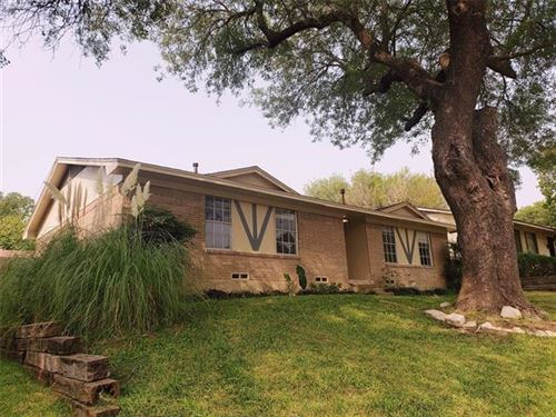 Photo of 1643 Spring Lake Drive, Mesquite, TX 75149 (MLS # 14437577)