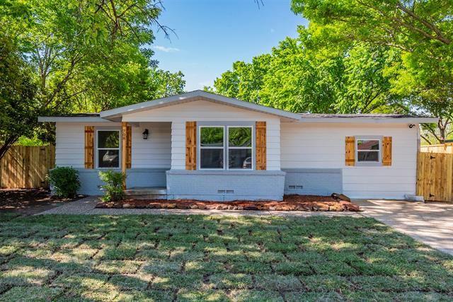 708 Carswell Terrace, Arlington, TX 76010 - #: 14562580
