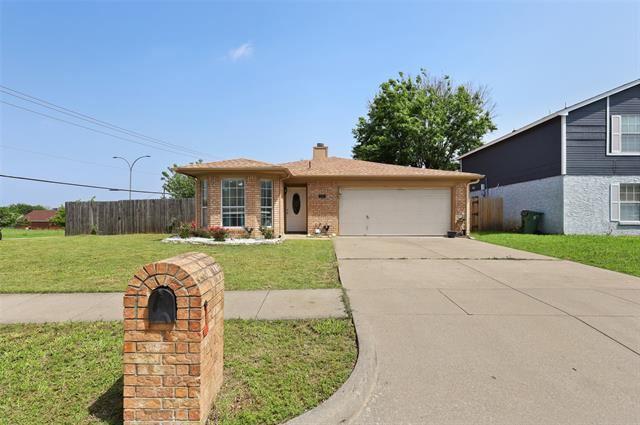 101 Moss Hill Drive, Arlington, TX 76018 - #: 14569583
