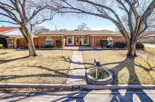 Photo of 5900 Circle Drive N, North Richland Hills, TX 76180 (MLS # 14518584)