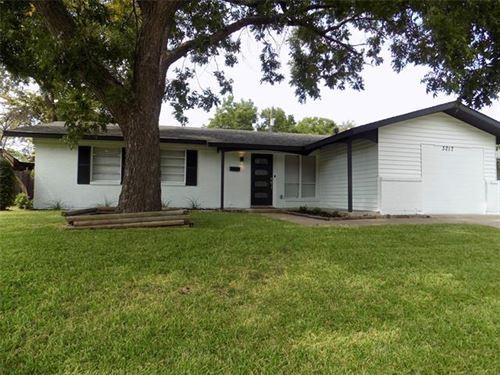 Photo of 3217 Centennial Drive, Garland, TX 75042 (MLS # 14675585)