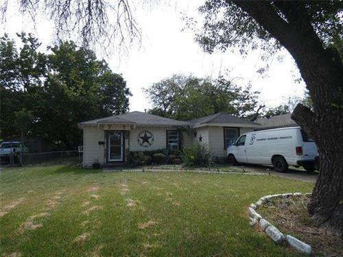 Photo of 204 W Avenue F, Garland, TX 75040 (MLS # 14675589)