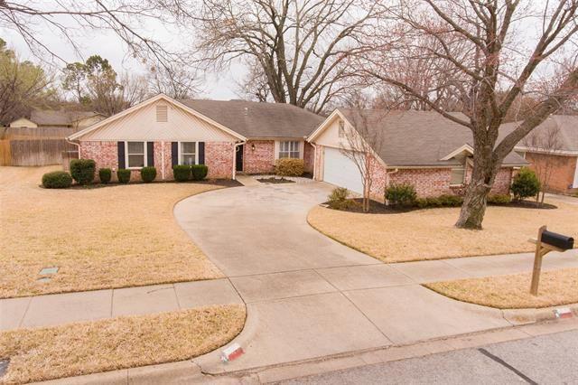 908 Spring Lake Drive, Bedford, TX 76021 - #: 14531592