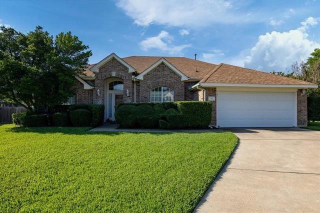 10 Laura Elizabeth Court, Mansfield, TX 76063 - #: 14601592