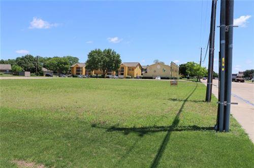 Photo of 575 Broadway, Garland, TX 75043 (MLS # 14455594)