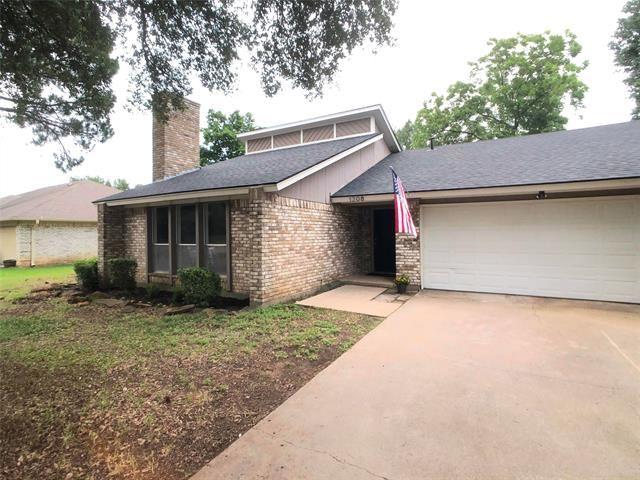 1208 Lansdowne Drive, Arlington, TX 76012 - #: 14580598