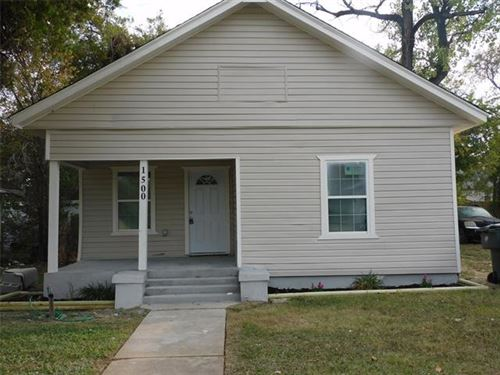 Photo of 1500 E Morphy Street, Fort Worth, TX 76104 (MLS # 14454599)