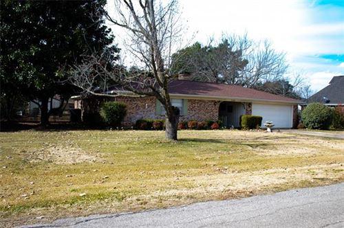 Photo of 324 N Elm, Quinlan, TX 75474 (MLS # 14490604)
