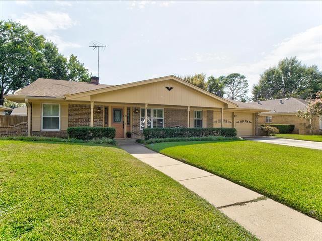 1504 Ridgeview Drive, Arlington, TX 76012 - #: 14675605