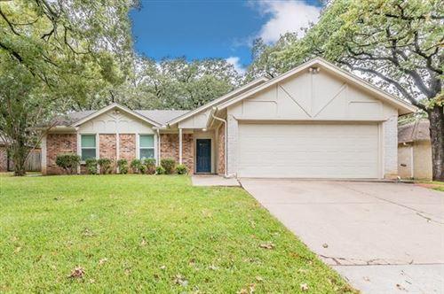 Photo of 3702 French Wood Drive, Arlington, TX 76016 (MLS # 14686608)