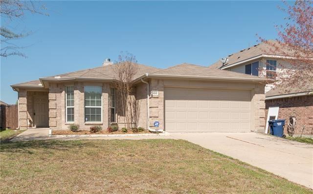 Photo for 800 Mahogany Drive, Anna, TX 75409 (MLS # 13754611)