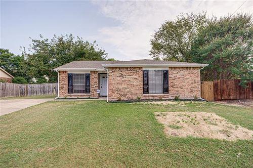 Photo of 522 Damon Drive, Grand Prairie, TX 75052 (MLS # 14670612)