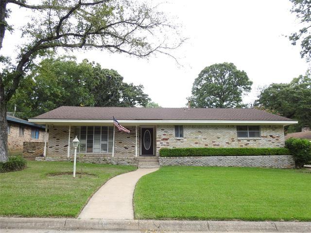 135 Circle Drive, Denison, TX 75021 - MLS#: 14633615