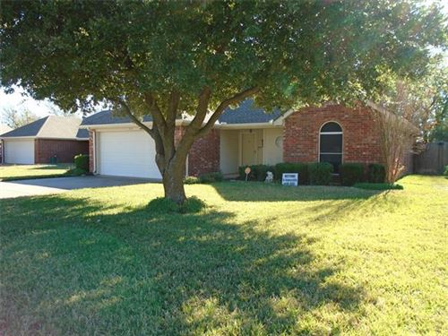 Photo of 1723 Ridgecrest Drive, Cleburne, TX 76033 (MLS # 14475622)