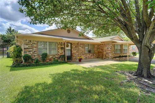 Photo of 904 E Centennial Street, Sherman, TX 75090 (MLS # 14672622)