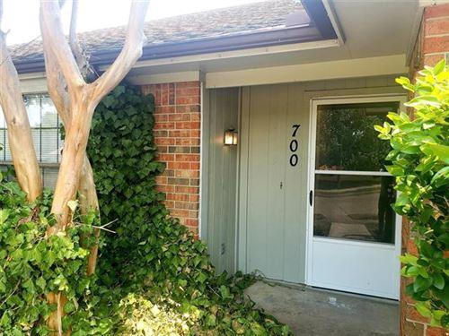 Photo of 700 Berry Lane, Cedar Hill, TX 75104 (MLS # 14685623)
