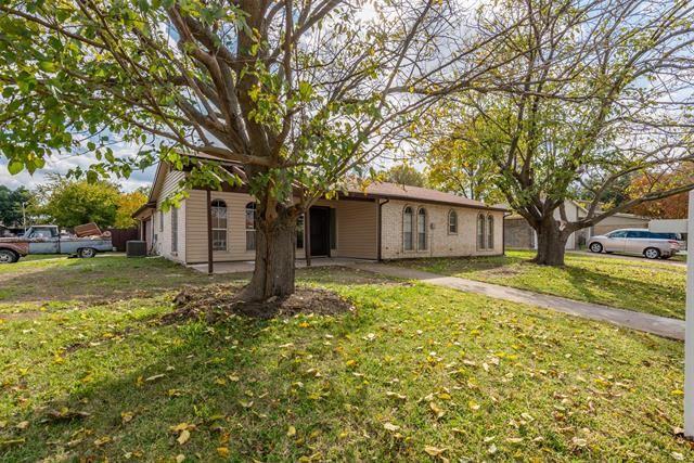 722 E Williamsburg Manor, Arlington, TX 76014 - #: 14462623