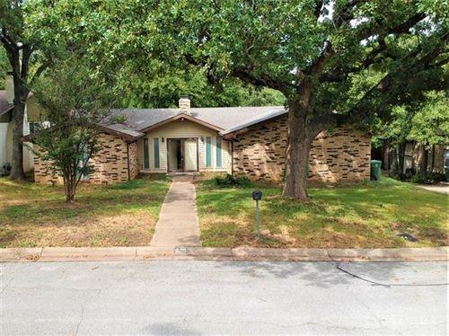 Photo of 609 Monette Drive, Bedford, TX 76022 (MLS # 14354625)