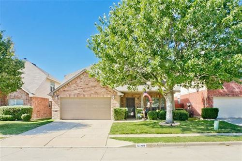 Photo of 5709 Downs Drive, Fort Worth, TX 76179 (MLS # 14455625)