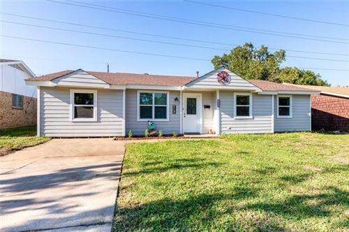 Photo of 1003 Easy Street, Grapevine, TX 76051 (MLS # 14441626)