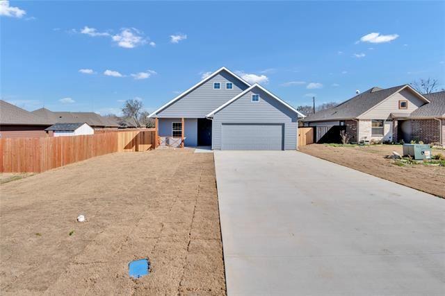 405 N Montague Street, Pilot Point, TX 76258 - #: 14521627