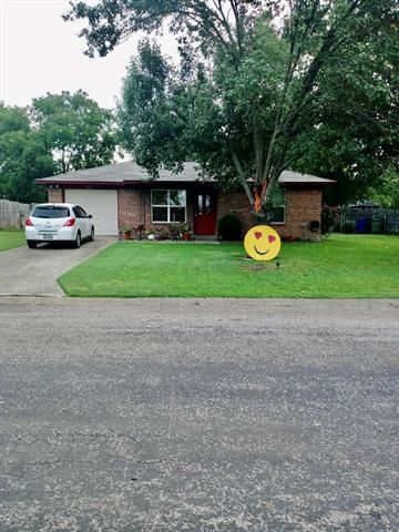 Photo of 330 E Wilson Avenue, Pilot Point, TX 76258 (MLS # 14368634)