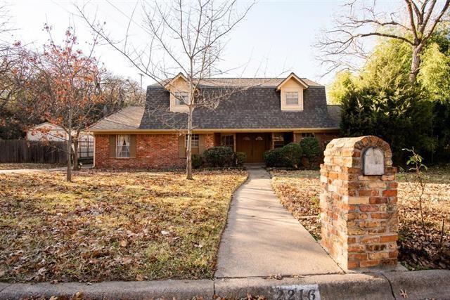 2216 Shadydale Drive, Arlington, TX 76012 - #: 14490636