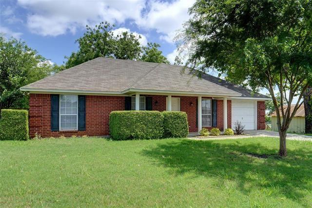 210 W Lake Street, Krum, TX 76249 - #: 14583636