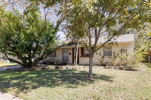 Photo of 1736 Meadows Drive, Plano, TX 75074 (MLS # 14696637)