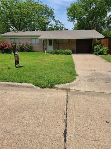 1902 Alan A Dale Road, Arlington, TX 76013 - #: 14564637