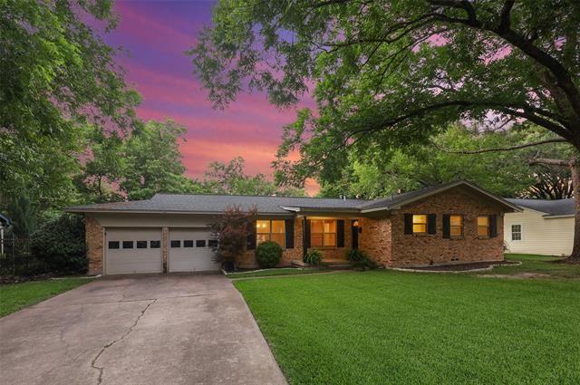 1301 Redbud Drive, Arlington, TX 76012 - #: 14603638