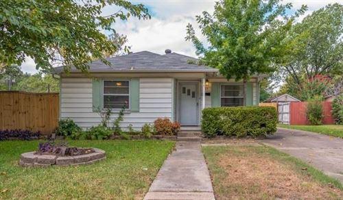 Photo of 409 Roberts Avenue, Irving, TX 75060 (MLS # 14672645)
