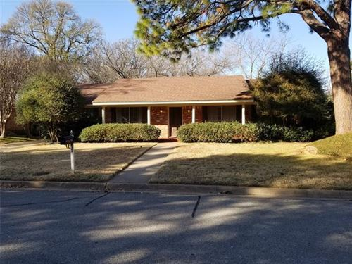 Photo of 1421 Foothill Drive, Hurst, TX 76053 (MLS # 14498651)