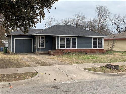 Photo of 621 W Nash Street, Grapevine, TX 76051 (MLS # 14522653)