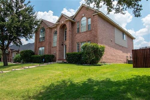 Photo of 1417 Hollow Ridge Drive, Carrollton, TX 75007 (MLS # 14163654)