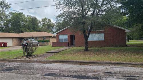Photo of 207 Rainey Street, Bonham, TX 75418 (MLS # 14669656)