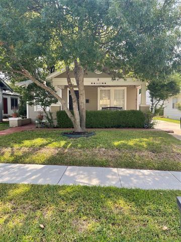 Photo of 1621 Clover Lane, Fort Worth, TX 76107 (MLS # 14619660)