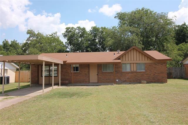 824 Hallvale Drive, White Settlement, TX 76108 - #: 14650660