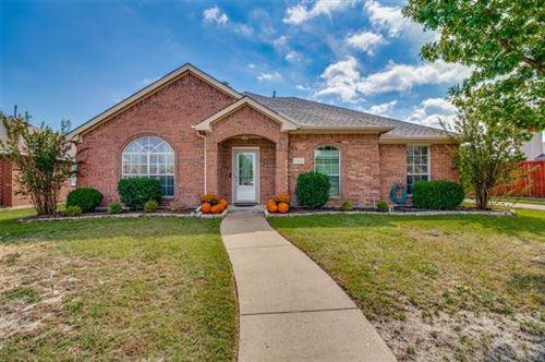 Photo of 7418 Danridge Road, Rowlett, TX 75089 (MLS # 14695661)
