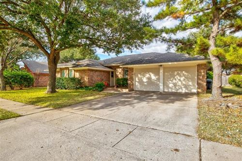 Photo of 1121 Woodvale Drive, Bedford, TX 76021 (MLS # 14480667)
