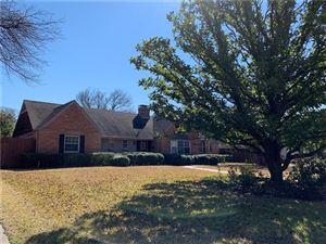 Photo of 5722 Williamstown Road, Dallas, TX 75230 (MLS # 14047670)