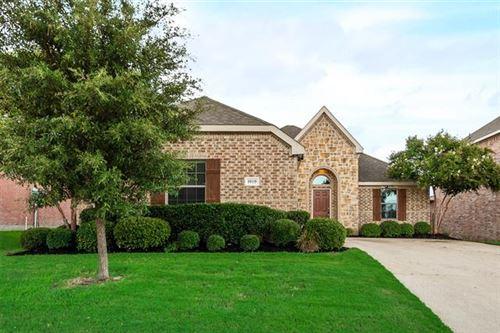 Photo of 1019 Kenwood Drive, Grand Prairie, TX 75051 (MLS # 14444672)
