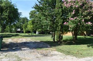 Photo of 400 E Division Street, Pilot Point, TX 76258 (MLS # 14115675)