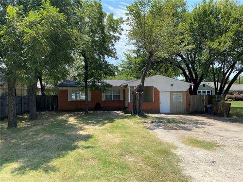 Photo of 1704 W 7th Street, Irving, TX 75060 (MLS # 14479677)